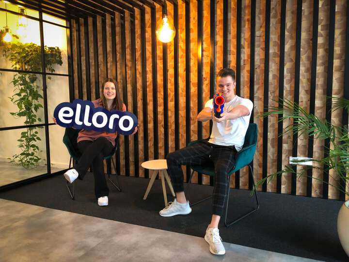 """""""Ready to boost your online business!🚀"""" Vorige week zijn Elvera en Mitchell begonnen aan hun stage bij Elloro😀. Elvera gaat aan de slag in team marketing en Mitchell in team development. 💪 #stage #zeeland #nerf #office"""